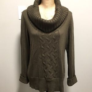 🇨🇦 Cowl-neck Sweater - Large $35 OR 2 for $30🌺